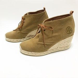 Tory Burch. Lifted espadrilles. Canvas. Size 7